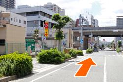 阪神西宮駅の方へ進む