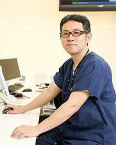 日本耳鼻咽喉科学会認定 耳鼻咽喉科専門医 梅岡 比俊