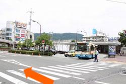 3.2つ目の信号が山手幹線となり左折すると阪急夙川駅